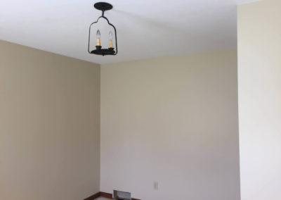 cream-colored-walls-white-ceiling