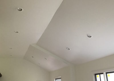 white-vaulted-kitchen-ceiling