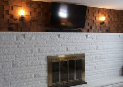 white-fireplace-with-white-ceiling
